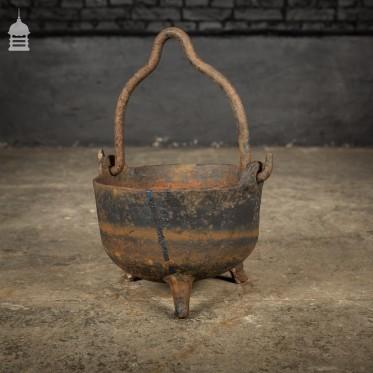 Small Cast Iron Cauldron Cooking Pot with Three Feet