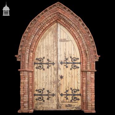 The Britannia Handmade Red Brick Gothic Arched Door Surround Kit