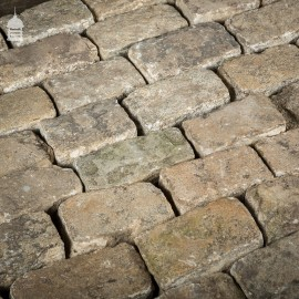 1 Tonne of Reclaimed Random Size Granite Setts Blocks Pavers