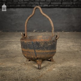 Small Cast Iron Cauldron Cooking Pot with Three Feet