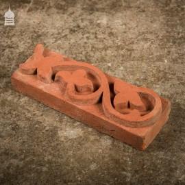 """BRITANNIA BRICKS"" Red Brick Special Decorative Arts & Crafts Floral Slip – BB0902"